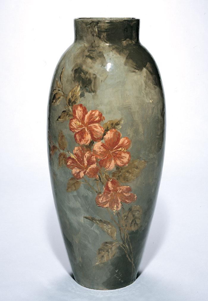 Discovering the Story | Cincinnati's Golden Age | Dueling Divas Vases